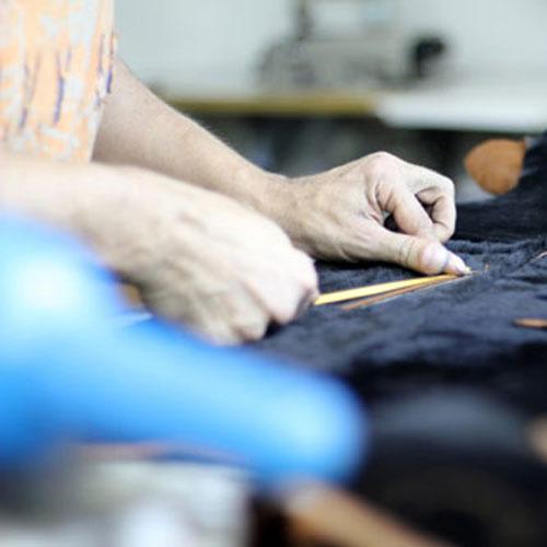Machine de fabrication textile dans l'usine Vestitex