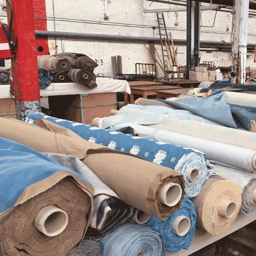 Rouleaux de tissus chez un fournisseur textile