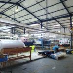 Réserve de tissu dans une usine de confection